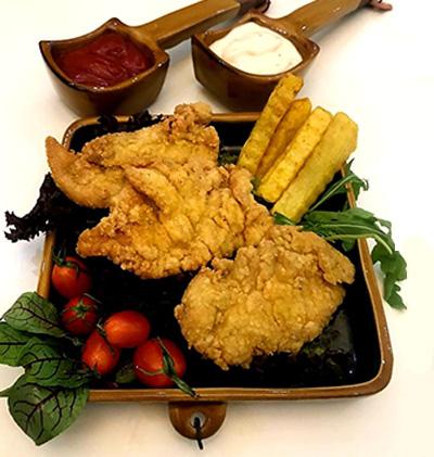 مرغ سوخاری و سیب زمینی در سمنان